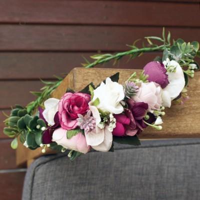 bride wedding flower hair