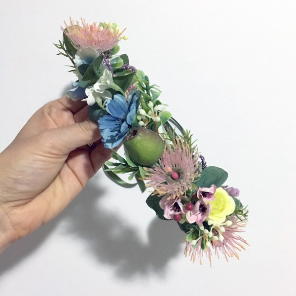 gum nut flower crown
