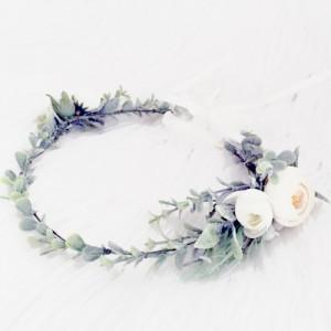 bridal wedding bride hair flowers white leafy
