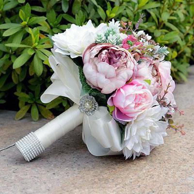 white_wedding_flowers_bouquet_pink.jpg