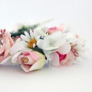 daisy_fake_flower_tiara.jpg