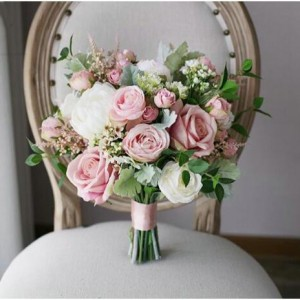 blush bridal flowers