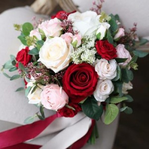 bride bouquet red pink white